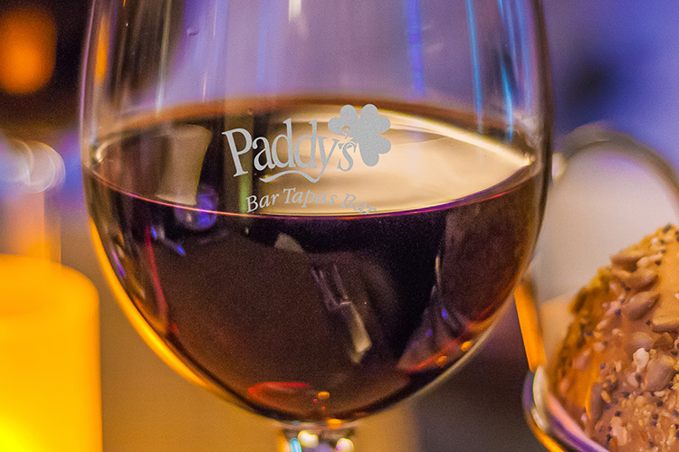 Wijnwinst - bedrukte wijnglazen